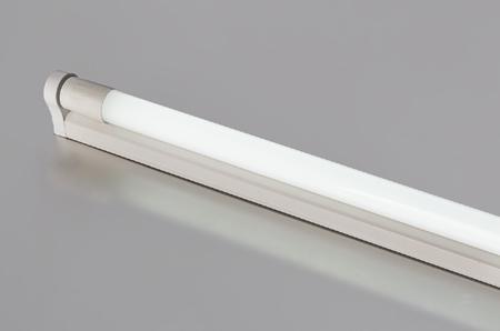 Umrüstung einer alten Leuchtstoffröhren-Armatur mit LED Röhre