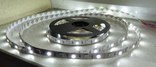 LED Stripe 5m RGB und kaltweiß 5050er SMD LED Kombi Streifen