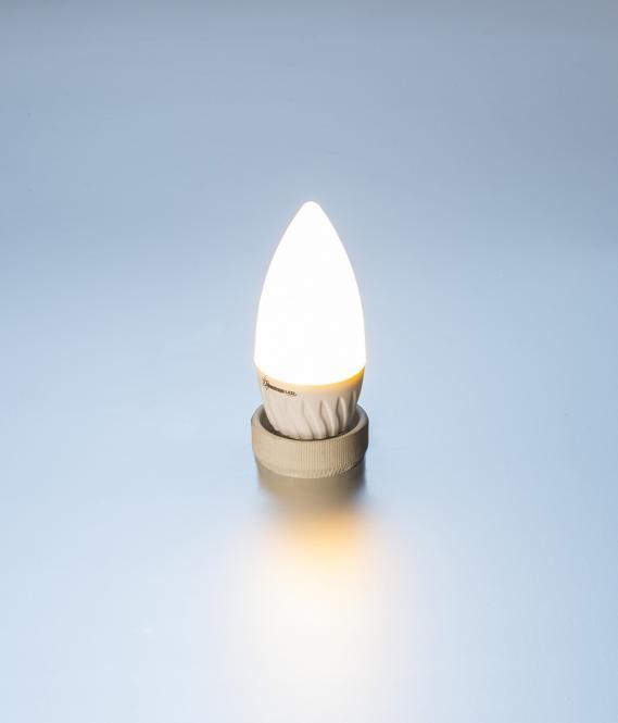 led lampe kerze 4 watt 300 lumen e27 warmwei led gl hlampe kerze warmweiss 4w. Black Bedroom Furniture Sets. Home Design Ideas