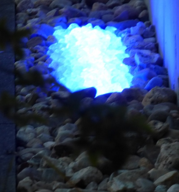 Kiesbett LED Leuchte 180° Abstrahlwinkel 0,50 m blau