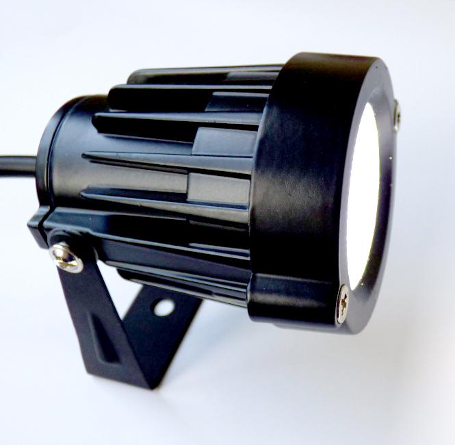 Gartenstrahler mit erdspie und netzstecker led 5 watt for Lampen 500 lux