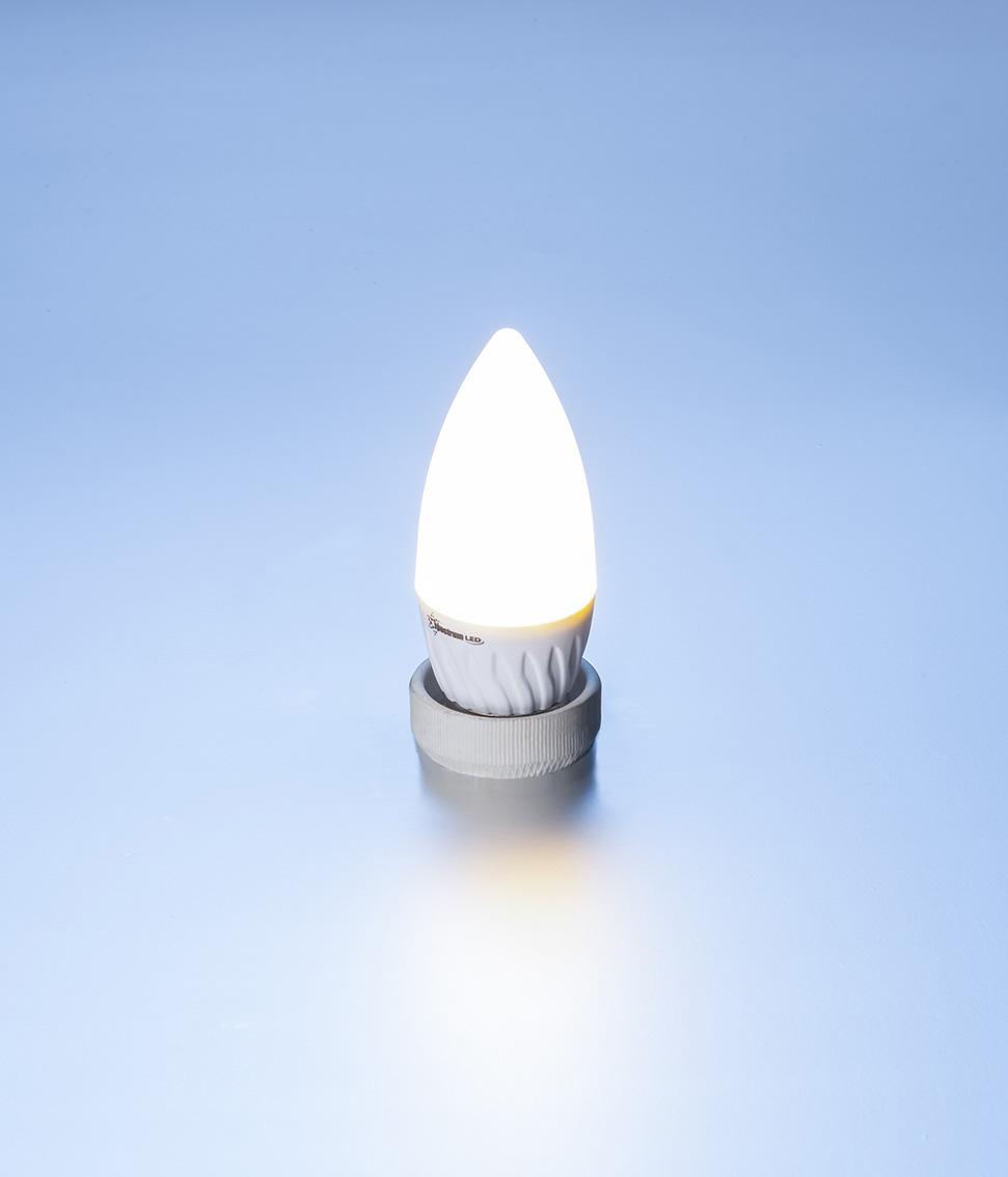 led lampe kerze 4 watt 310 lumen e27 kaltwei led gluehlampe kerze kaltweiss 4w. Black Bedroom Furniture Sets. Home Design Ideas